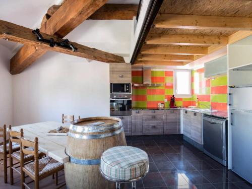 duplex sous les toits : Apartment near Brouilla