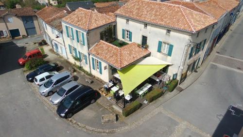 Auberge de Maitre Pannetier : Bed and Breakfast near Puihardy