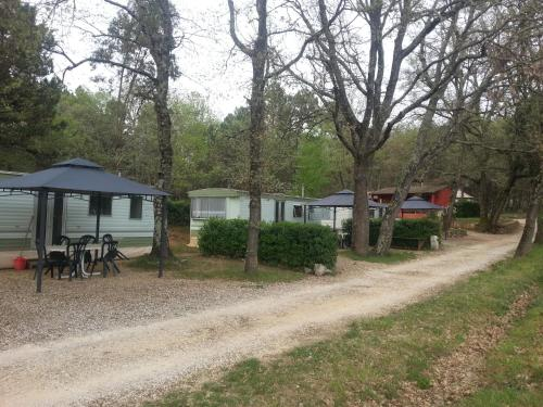 Camping Parc Saint Sauvayre : Guest accommodation near Vagnas