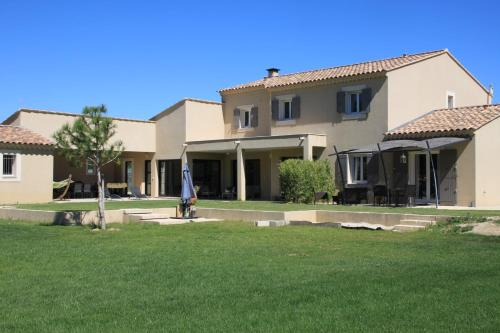 Villa Valentine : Apartment near Barbentane