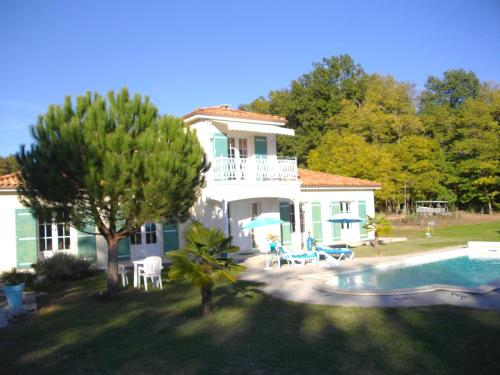Villa Florida : Bed and Breakfast near Campagne