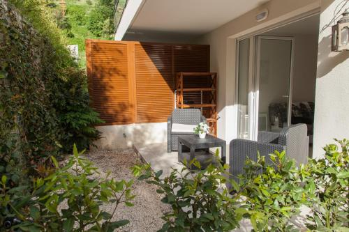 quiet studio with terrace : Apartment near Tourrette-Levens