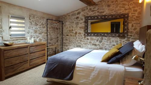 Le Mas de Combeau : Bed and Breakfast near Rocher