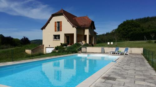 Valley View B&B : Bed and Breakfast near Espagnac-Sainte-Eulalie