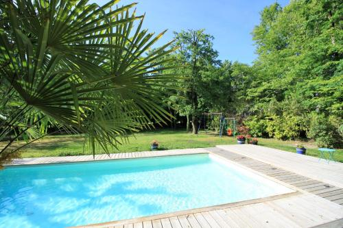Villa du Golf Bordeaux-Cameyrac : Guest accommodation near Saint-Quentin-de-Baron