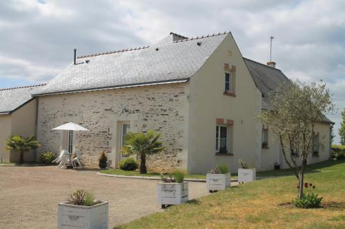 Le Logis de Clope Chien : Bed and Breakfast near Brissac-Quincé