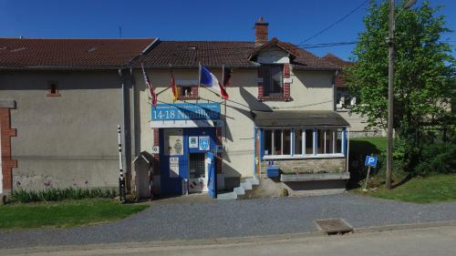 14-18 Nantillois : Bed and Breakfast near Courtémont