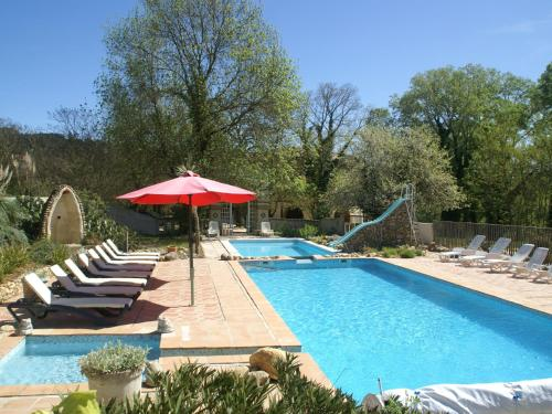 La Belle Soie 1 : Guest accommodation near Rousson