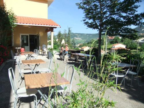 Gîte des Grands Causses : Guest accommodation near Saint-Georges-de-Luzençon