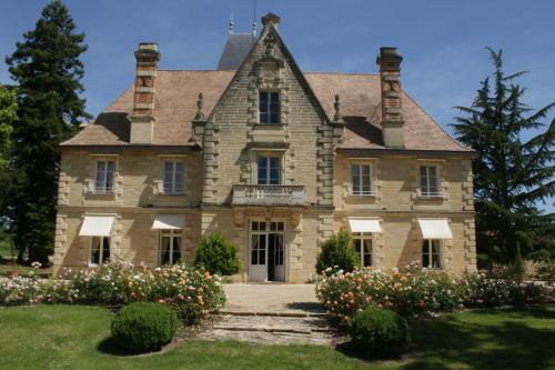 Château La Grave Béchade : Guest accommodation near Baleyssagues