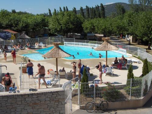 International Camping : Guest accommodation near Salavas