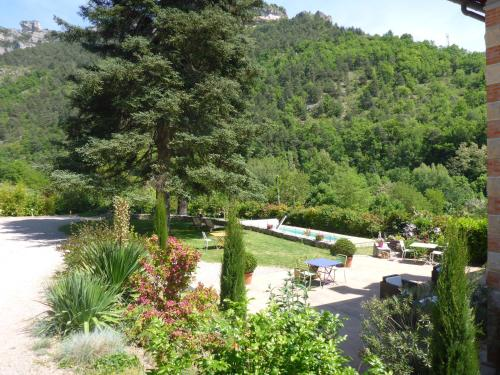Villa La Muse : Bed and Breakfast near Saint-Pierre-des-Tripiers