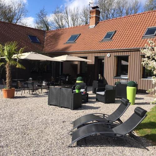 Le domaine de Wail : Bed and Breakfast near Herlincourt