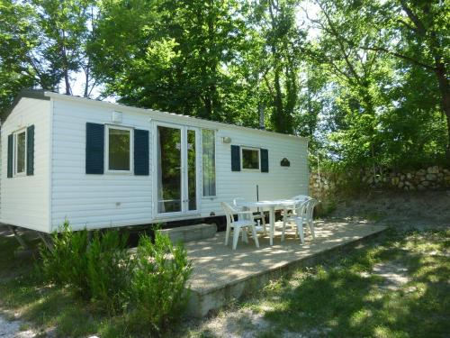 Camping Notre Dame : Guest accommodation near Vergons