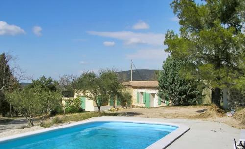 –Holiday home Chemin des Jas : Guest accommodation near Varages