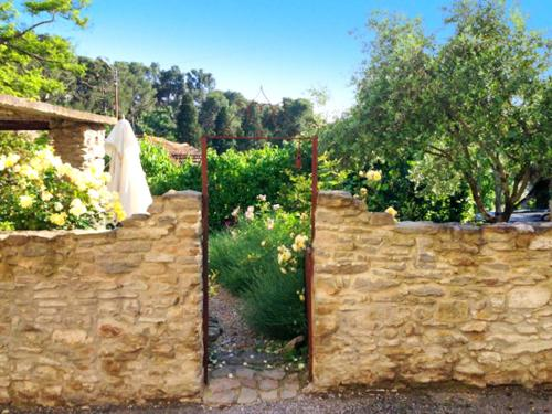 Manor House Domaine des Pins : Guest accommodation near Malves-en-Minervois