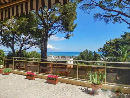 –Apartment Avenue de la Bermone : Apartment near Villeneuve-Loubet