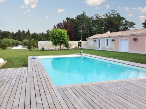 Country House Lieu Dit Pipeyrat : Guest accommodation near Saint-Germain-d'Esteuil