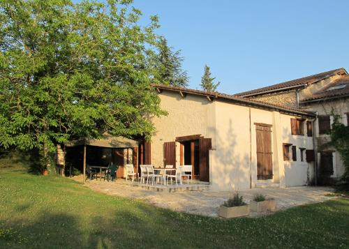 Villa Le Bourg : Guest accommodation near La Chapelle-Grésignac