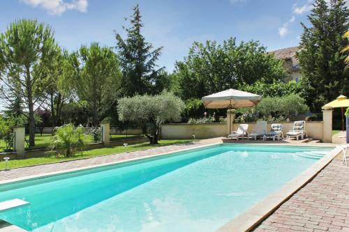 –Holiday home Route de la Roque : Guest accommodation near Bédarrides