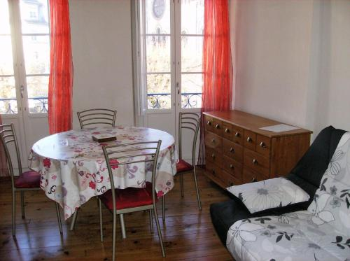 Apartment Rue Gambetta : Apartment near Cazeaux-de-Larboust