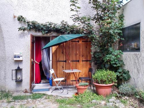 Holiday Home Rue de Versailles : Guest accommodation near Rennemoulin