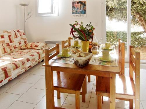 Apartment Ranocchietto : Guest accommodation near Alata