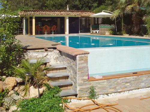 Villa Allée des Mimosas : Guest accommodation near Roquefort-les-Pins