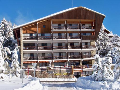 Hôtel l'Adrech de Lagas : Hotel near La Penne