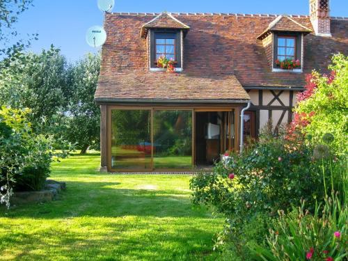 Holiday Home Rue des Landes : Guest accommodation near Saint-Martin-d'Écublei