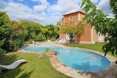 Villa Rue des iris : Guest accommodation near Cournonterral