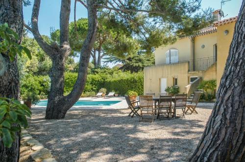 Villa La Soléiade : Guest accommodation near Six-Fours-les-Plages