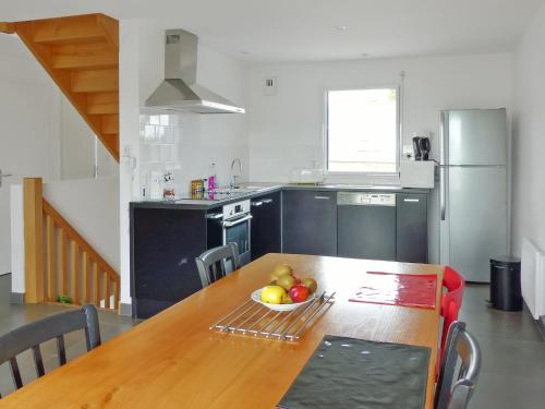 Holiday Home Rue de Cariel : Guest accommodation near Theix