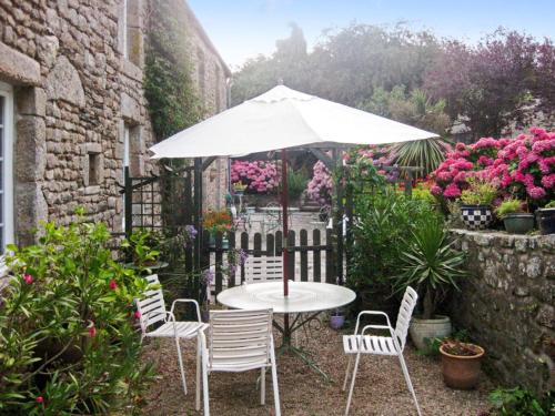 Maison de la Courtellerie : Guest accommodation near Maupertus-sur-Mer