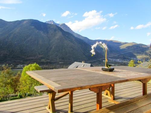 Chalet La Bergerie - Lieu-dit Le Village : Guest accommodation near Camparan