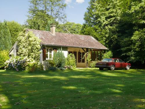 Holiday Home La Ribeaudonniere : Guest accommodation near Aigurande