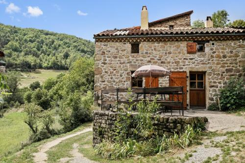 Holiday Home Gite La Rossille : Guest accommodation near Lamastre