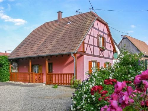 Holiday Home Rue des Roses : Guest accommodation near Sermersheim
