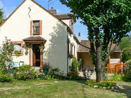 Holiday Home Rue des sources le grand veau : Guest accommodation near Saint-Julien-du-Sault