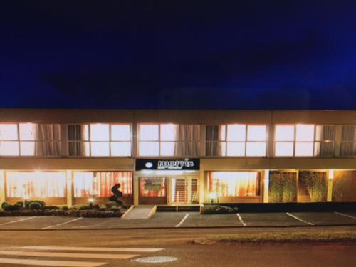 Hôtel Morris : Hotel near Saint-Sulpice-des-Rivoires
