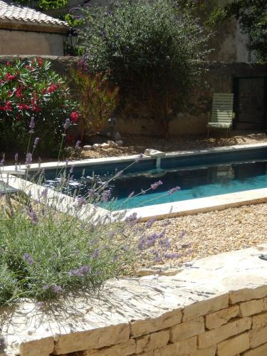 Villa Rue de la Pompe Neuve : Guest accommodation near Moux