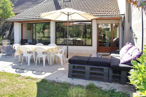 Holiday Home Grande rue : Guest accommodation near Saint-Sorlin-en-Bugey