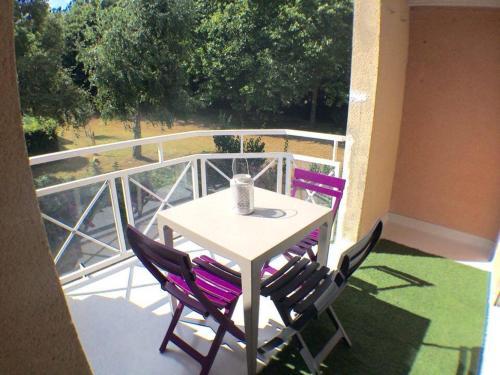 Apartment Allee Paul le Flem : Apartment near Theix