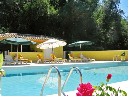 Villa Sévignac le Haut : Guest accommodation near Cazedarnes
