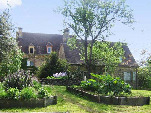 Holiday Home La Vignolle : Guest accommodation near Terrasson-Lavilledieu