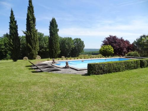 Holiday Home Mansac : Guest accommodation near Saint-Amand-de-Coly