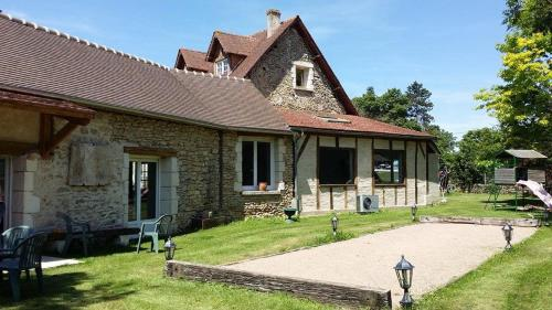 Holiday home Rue du Val Corbon : Guest accommodation near Moisson