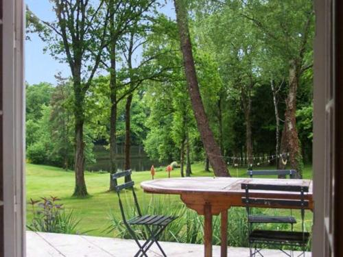 Holiday Home Domaine du Grand Roc 1 : Guest accommodation near Châlus