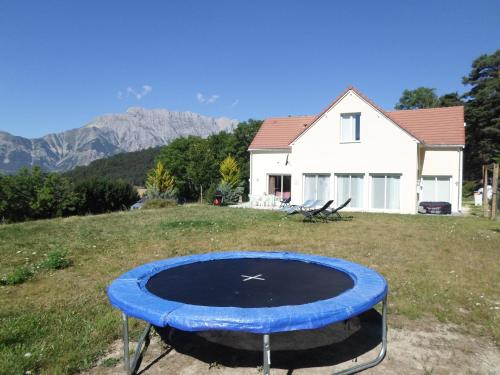 Holiday home La Motte-en-Champsaur, France : Guest accommodation near Saint-Maurice-en-Valgodemard