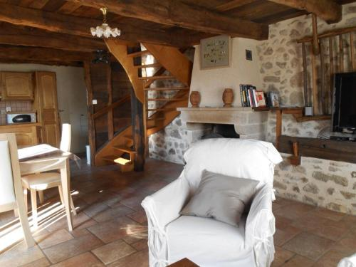Holiday home Place du Foiral : Guest accommodation near Montredon